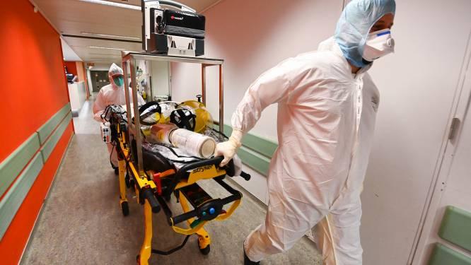 """Situatie in ziekenhuizen wordt onhoudbaar: """"De regering neemt zware risico's. De maatregelen zijn volstrekt ontoereikend"""""""