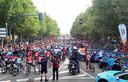De Vuelta - op de foto de start van de slotetappe in 2019 in Fuenlabrada - zou vorig jaar starten in Nederland, met de tweede etappe vanuit Den Bosch, maar werd door de coronapandemie volledig in Spanje verreden.