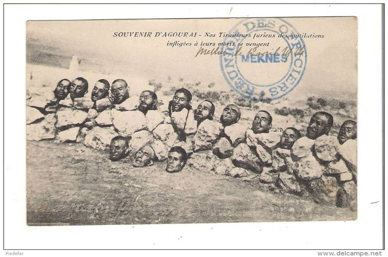 Afgehakte hoofden van Marokkaanse moslims: een postkaart uit 1922 toont de barbaarsheid van het Franse koloniale verleden. Beeld rv