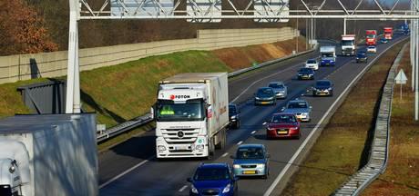 Forse file op A12 door kapotte vrachtwagen bij Duiven