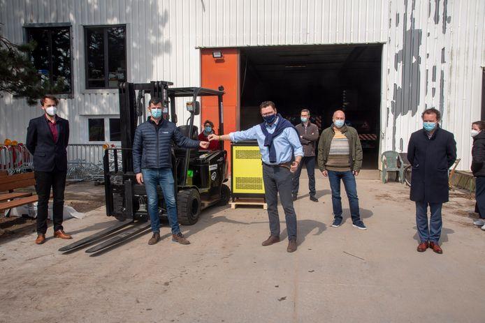Nieuwe heftruck geleverd op de technische dienst van Laarne.
