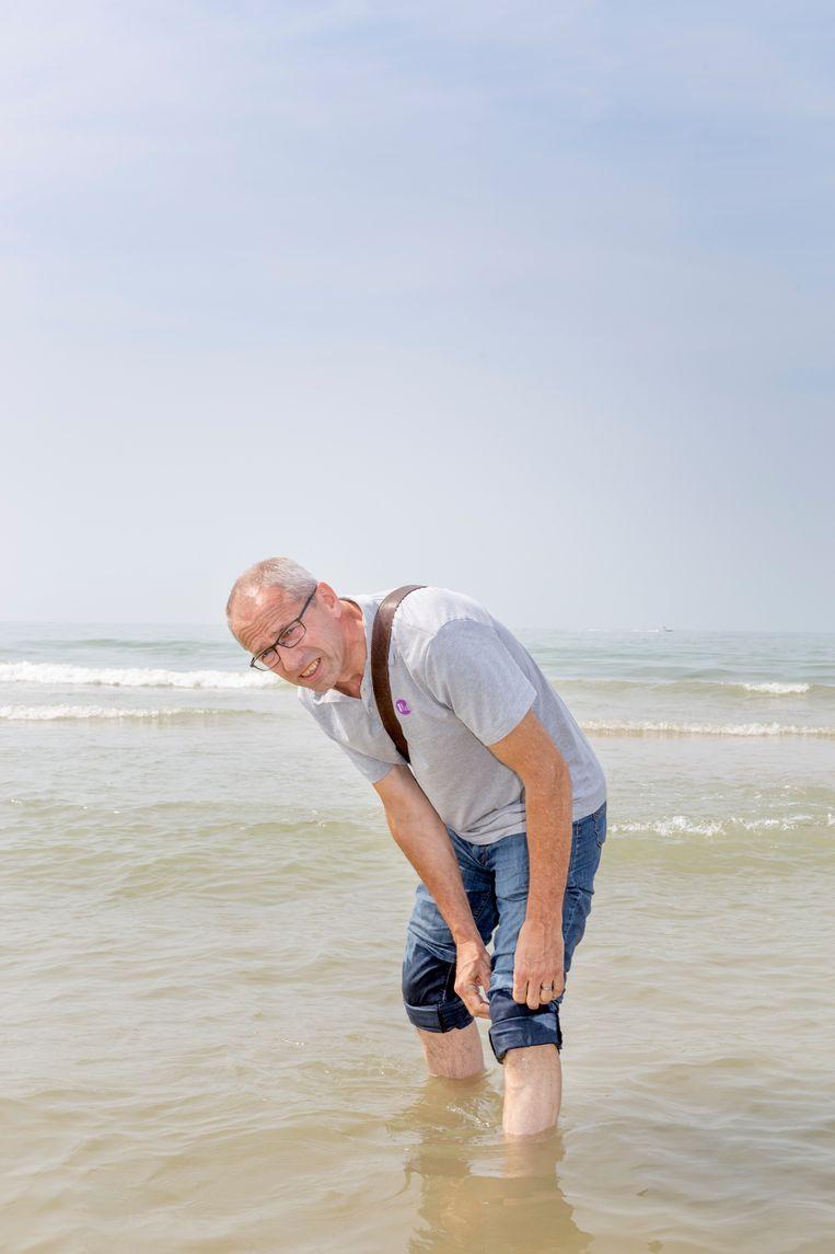 Koen Peeters in de zee bij Oostende . Beeld null