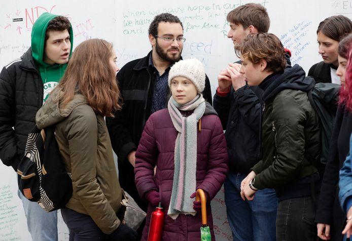 Ook Anuna De Wever (rechts naast Thunberg) kwam naar het Schumanplein.