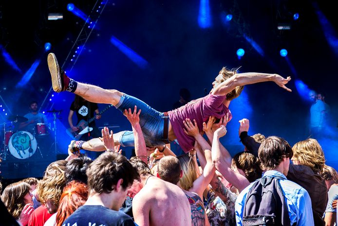 Feest tijdens Bevrijdingsfestival 2016 in Utrecht