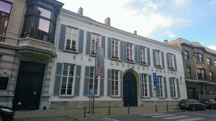 Sint-Ludgardis is een bekende uniformschool in het centrum van Antwerpen.