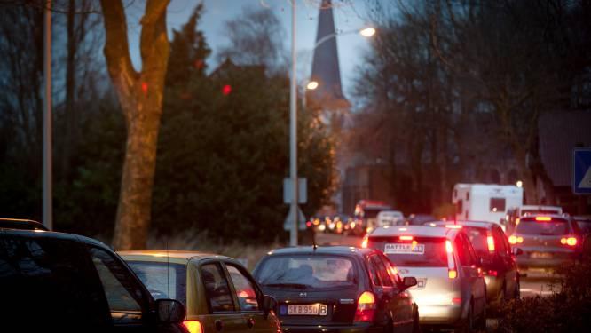 """AWV plant extra stroken op A12, gemeente Rumst haalt opgelucht adem: """"Hopelijk neemt verkeersdruk nu wat af"""""""