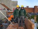 Tom Van Schoor en Jarne Rogge op de werf in Deinze.