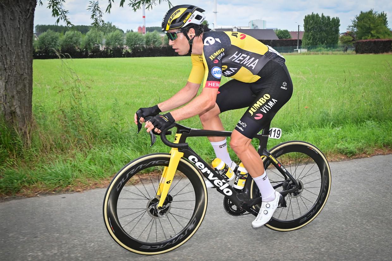 Wout van Aert op weg naar de Belgische kampioenstitel, afgelopen zondag. Beeld BELGA