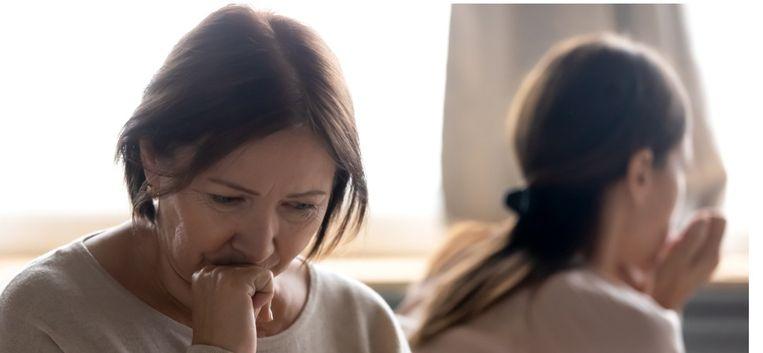 """Dochter Eva (43) tegen moeder Nora (76): """"Ik ben gaan inzien dat jij de motor was achter de mishandelingen, mam"""""""