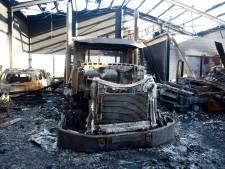 Eigenaar afgebrand autobedrijf in Axel: 'Ik word misselijk als ik het zie'