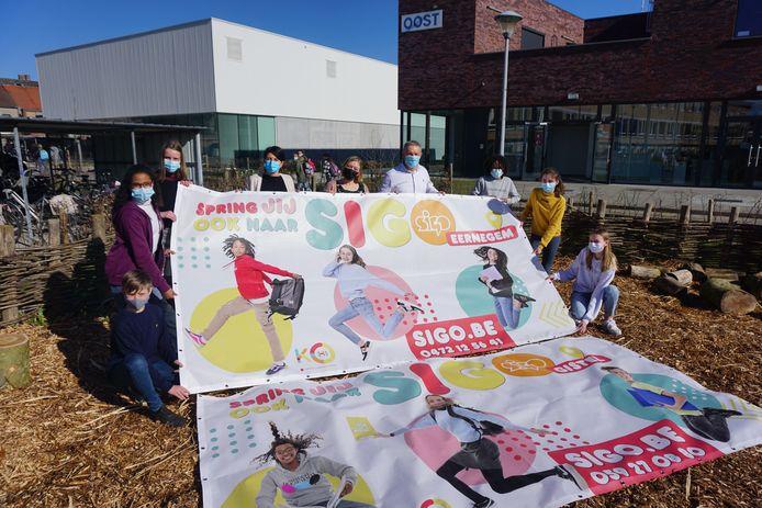 Het Sint-Godelievecollege van Gistel, kortweg SIGO, pakt uit met een nieuwe promocampagne onder de noemer 'SIGO springt'