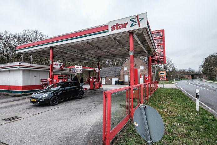 Even snel tanken in Duitsland is er vanaf dinsdag niet meer bij zonder negatieve coronatest.
