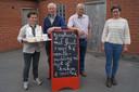 Regina en Ivan samen met kersvers voorzitter Godfried Bovijn en kaasmaakster Leen Den Haeck