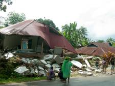 Dodental zware aardbeving Molukken opgelopen tot dertig