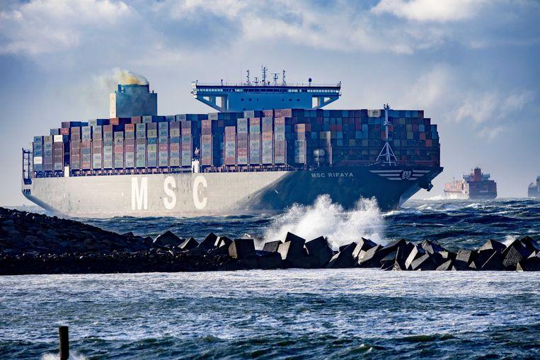 De MSC Rifaya komt aan in de haven. Beeld ANP