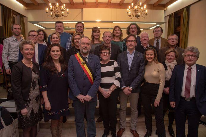 De nieuwe gemeenteraad van Oosterzele.