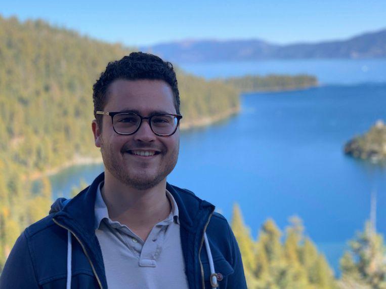 Mitchell Schrijver bij Lake Tahoe, in Californië, de Verenigde Staten. Beeld Privéfoto