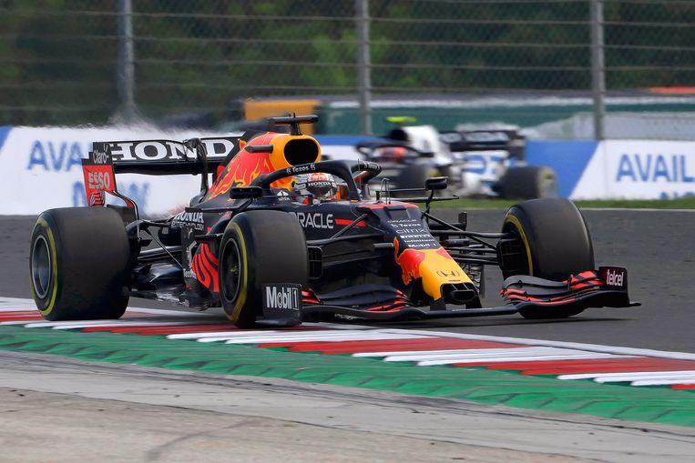 Max Verstappen tijdens de grand prix van Hongarije.  Beeld EPA