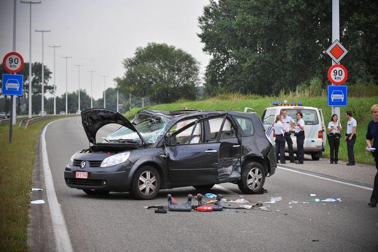 """Op het kruispunt van de R6 met de Antwerpsesteenweg gebeurden al verschillende zware ongevallen. """"Hopelijk zal de heraanleg er voor zorgen dat dit niemand nog moet overkomen."""""""