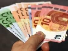 Plus de 50% des jeunes ne parviennent pas à épargner comme il se doit, 33% d'entre eux craignent que leur carte bancaire ne soit refusée au magasin