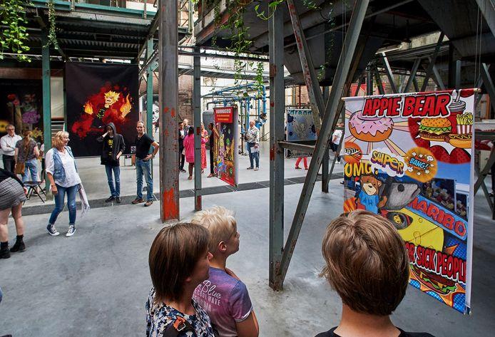 """De expositie """"Break Out Hero"""" op de Noordkade te Veghel."""