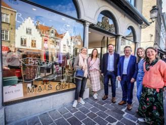 """Pop-upwinkel in Smedenstraat is al tot eind februari 2022 volgeboekt: """"Verrassend hoeveel mensen hier passeren"""""""