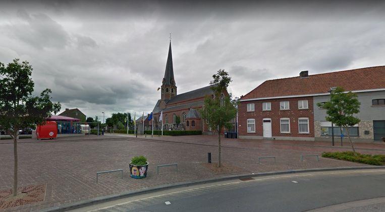 Het stadsbestuur laat onderzoeken of er een nevenbestemming mogelijk zou zijn voor de Sint-Amanduskerk in Bavikhove.