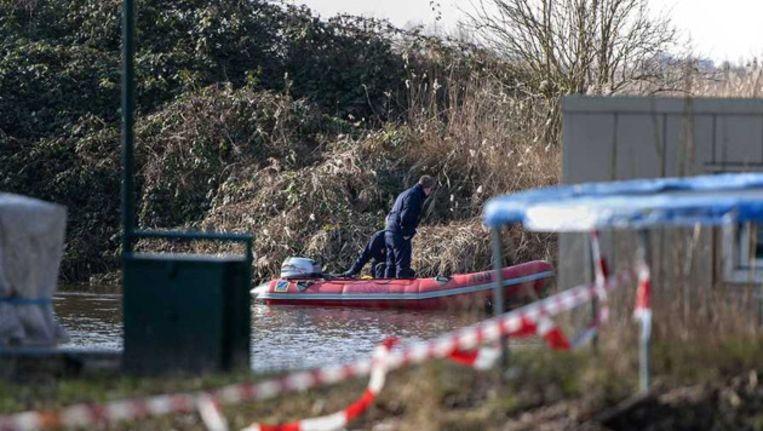 De lichamen van het echtpaar werden dinsdag aangetroffen in het water van het Hoendiep in Hoogkerk Beeld ANP