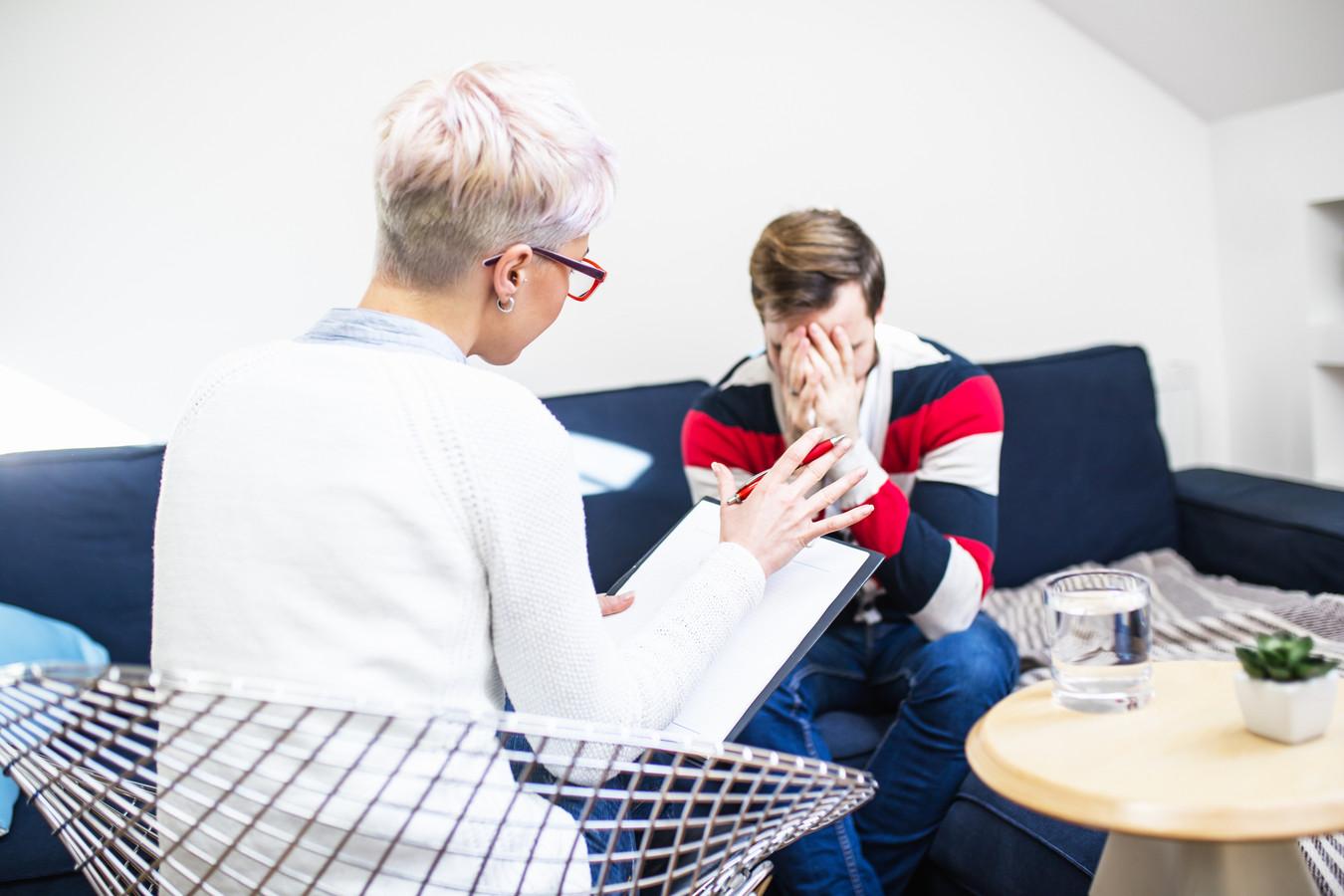 Veel jongeren ontwikkelen volgens RIVM-cijfers in hoog tempo psychische klachten.