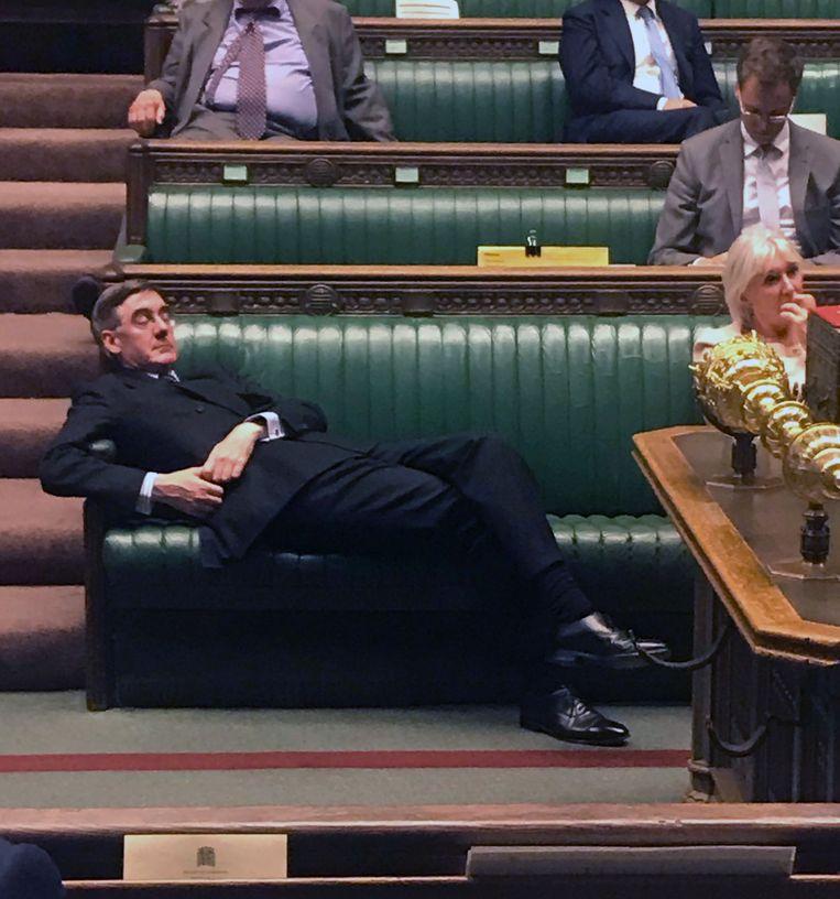 De Britse Conservatief en voorzitter van het Lagerhuis Rees-Mogg tijdens het No-Deal-Brexitdebat op 3 september.   Beeld AFP