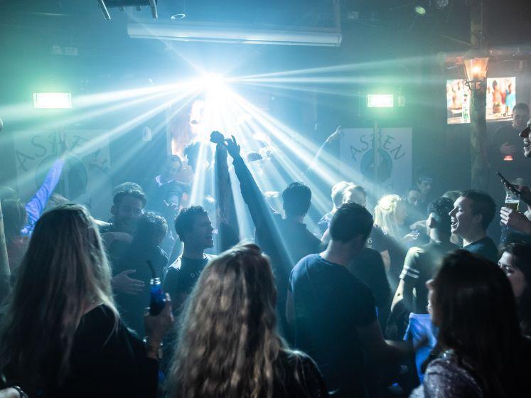 Hoe één persoon 200 mensen in disco Enschede kon infecteren: 'Er is altijd een risico'