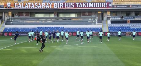 PSV waakt voor een implosie in Istanboel, terwijl de selectie in rap tempo verandert