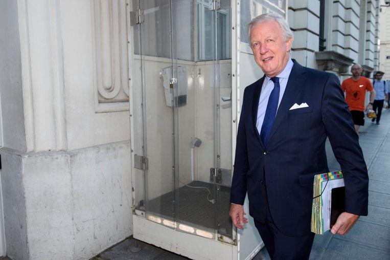 Pensioenminister Daniel Bacquelaine (MR) lijkt nog wat werk voor de winkel te hebben. Beeld Photo News