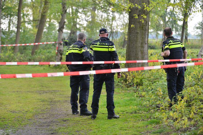De politie doet onderzoek in Wernhout.