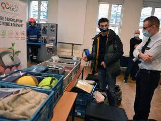 """Leuven schenkt verloren voorwerpen aan goede doelen: """"Steentje bijdragen aan de bestrijding van armoede en schouders zetten onder de circulaire economie"""""""