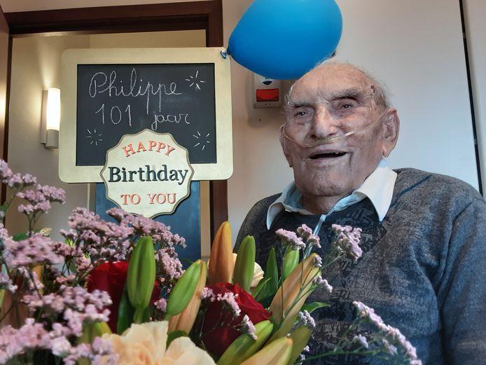 Philip Keters is 101 jaar oud en viert zijn verjaardag in woonzorgcentrum Sint-Monica in Oostende.