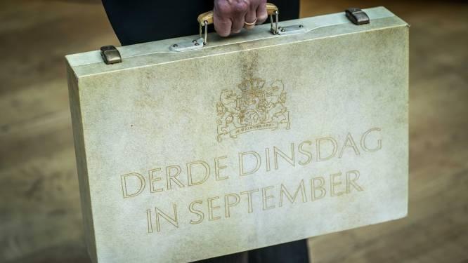 LIVE | Reacties op troonrede stromen binnen, minister Hoekstra met koffertje naar Tweede Kamer