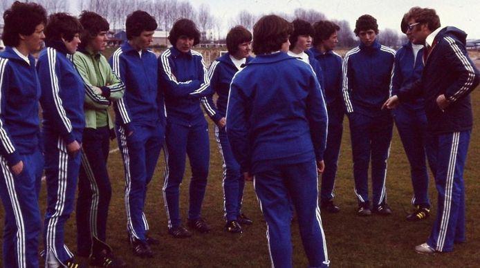 Albert Bers aan de slag als coach van de nationale vrouwenploeg die hij van 1976 tot 1990 leidde.