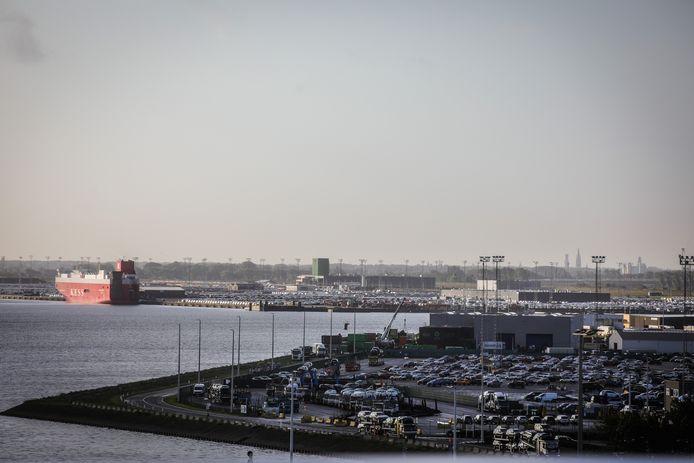 De extra camera's moeten onder meer toezicht houden op de terminals in de haven van Zeebrugge.