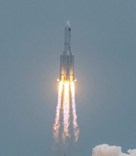 """Fusée chinoise hors de contrôle: Pékin estime les risques de dégâts sur Terre """"extrêmement faibles"""""""