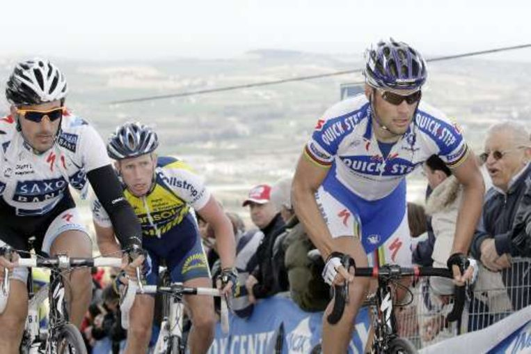 Tom Boonen kwam in het gezelschap van Fabian Cancellara boven. Beeld UNKNOWN