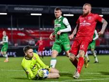 FC Dordrecht geeft zich bij hoogvlieger Almere City FC pas in slotfase gewonnen