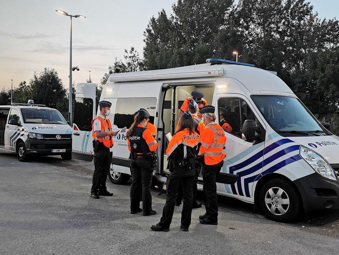 De verkeersactie van politie Geraardsbergen/Lierde startte aan het station van Lierde.