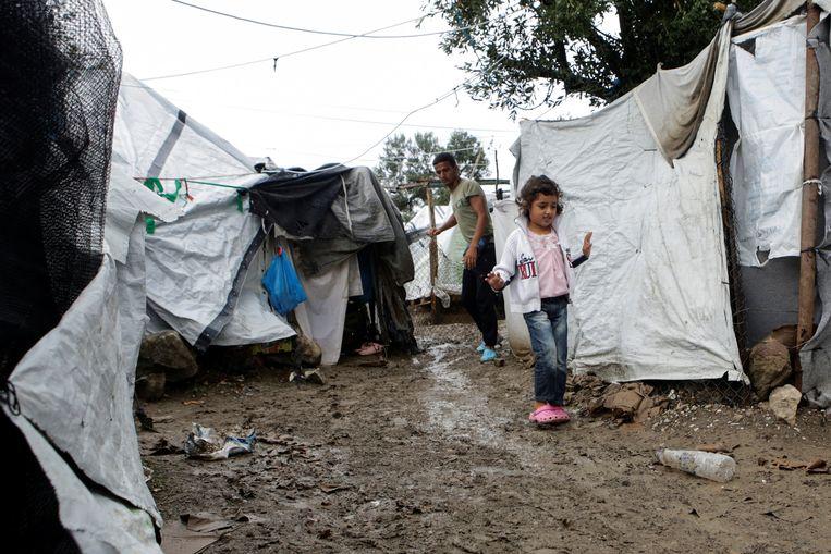 Vluchtelingen in een geïmproviseerd kamp op Lesbos