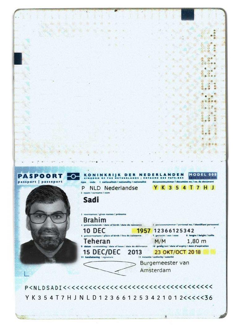 Het neppaspoort van 'Brahim Sadi'. Beeld