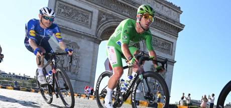Tour kort | Renners geflitst op weg naar Parijs, Lefevere hint op afscheid Cavendish
