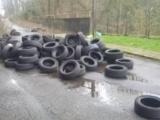 Cette rue est un dépotoir: il a vécu plusieurs jours avec un tas de pneus devant chez lui