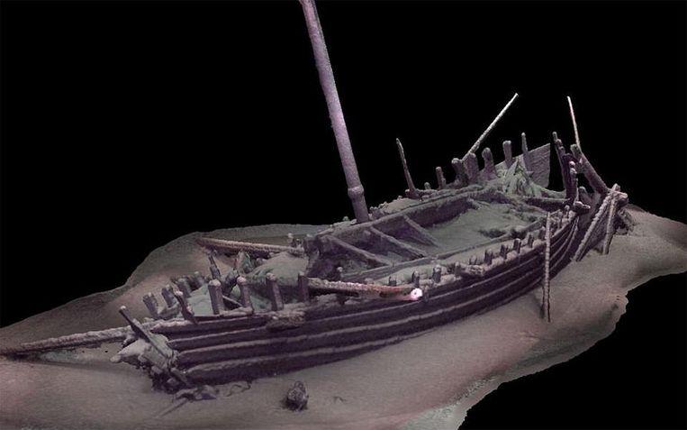 Dit Romeinse schip ligt meer dan twee kilometer diep. De mast staat nog recht en er ligt nog touw op het dek.