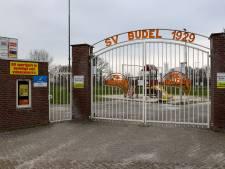 SV Budel kan aan de slag met de bouw van zes nieuwe kleedkamers; gemeente legt 305.000 euro bij