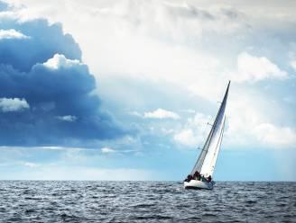 Mensensmokkel: zeilboot met 21 Albanezen onderschept voor Nederlandse kust